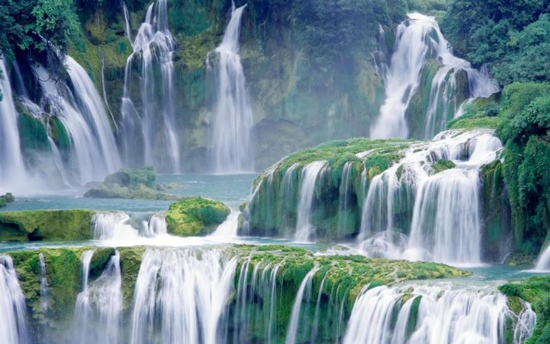 close-up-waterfalls